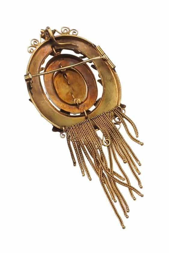 Antique-Jewellery-Berlin-Verlobungsringe-Eheringe-Antikschmuck-Fachgeschäft-in-Berlin-Mitte-Photo-©-2018-Antique-Jewellery-Berlin-Antike-Verlobungsringe-1503c