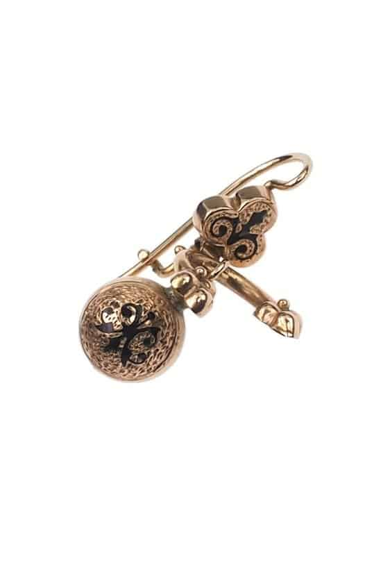 Antique-Jewellery-Berlin-Verlobungsringe-Eheringe-Antikschmuck-Fachgeschäft-in-Berlin-Mitte-Photo-©-2018-Antique-Jewellery-Berlin-Antike-Verlobungsringe-2152b