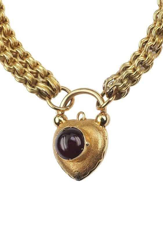 Antique-Jewellery-Berlin-Verlobungsringe-Eheringe-Antikschmuck-Fachgeschäft-in-Berlin-Mitte-Photo-©-2018-Antique-Jewellery-Berlin-Antike-Verlobungsringe-2169a