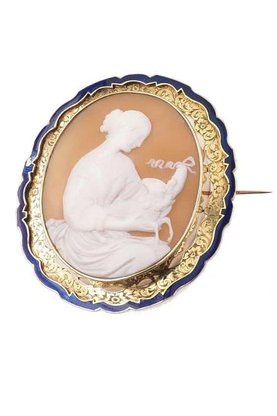 Antique-Jewellery-Berlin-Verlobungsringe-Eheringe-Antikschmuck-Fachgeschäft-in-Berlin-Mitte-Photo-©-2018-Antique-Jewellery-Berlin-Antike-Verlobungsringe-2215a