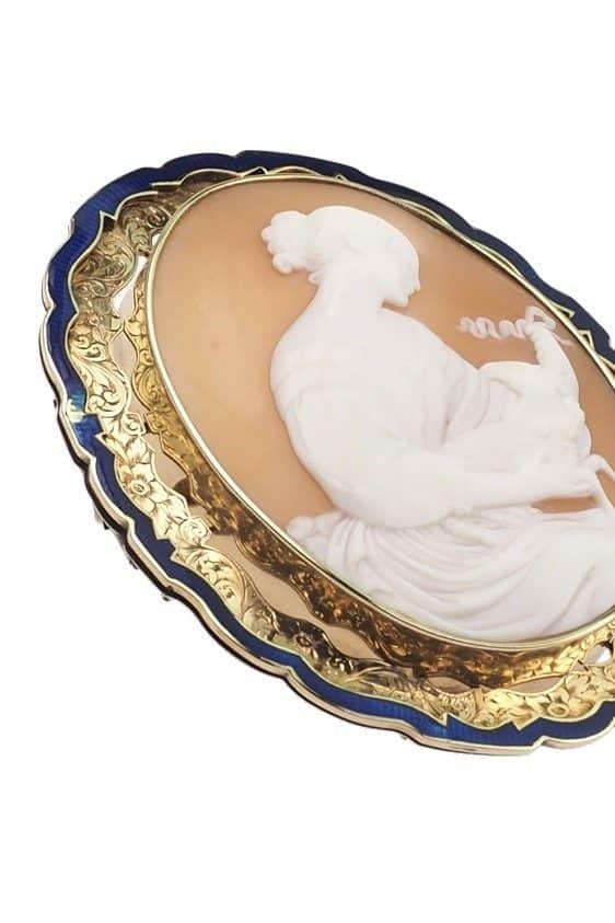 Antique-Jewellery-Berlin-Verlobungsringe-Eheringe-Antikschmuck-Fachgeschäft-in-Berlin-Mitte-Photo-©-2018-Antique-Jewellery-Berlin-Antike-Verlobungsringe-2215b