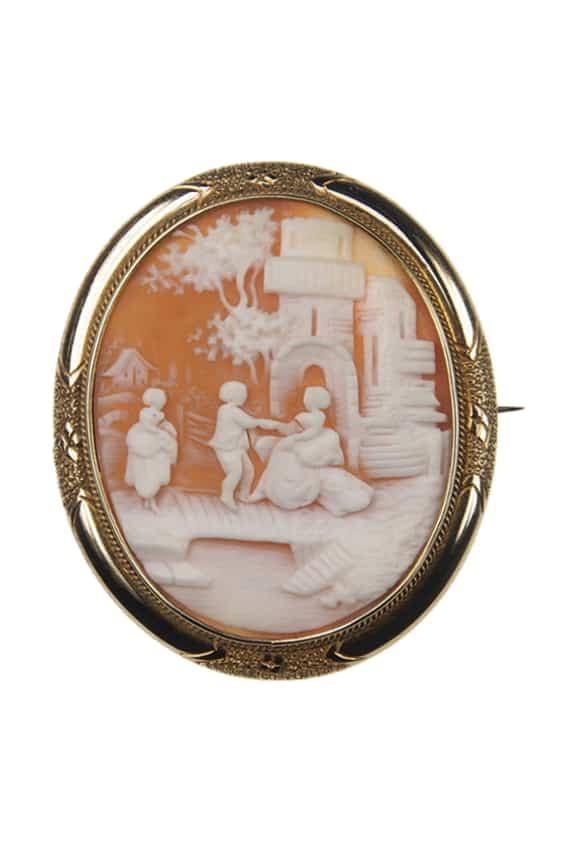 Antique-Jewellery-Berlin-Verlobungsringe-Eheringe-Antikschmuck-Fachgeschäft-in-Berlin-Mitte-Photo-©-2019-Antique-Jewellery-Berlin-Antike-Verlobungsringe-1151