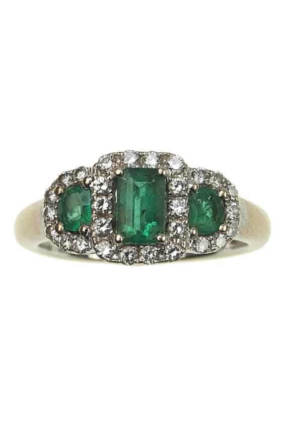 Vintage-Verlobungsring-mit-Diamanten-und-Smaragden-um-1960-Photo-©-2017-RHEINFRANK-Antique-Jewellery-Berlin-Antike-Verlobungsringe-Antikschmuck-994