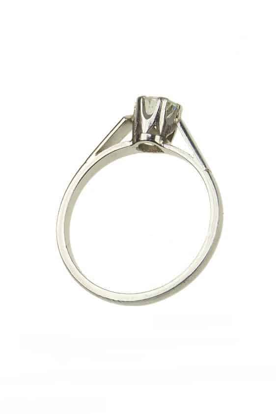 antiker-Verlobungsring-mit-Diamanten-Photo-©-2017-RHEINFRANK-Antique-Jewellery-Berlin-Antike-Verlobungsringe-Antikschmuck-1240c
