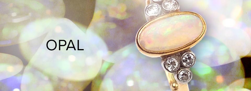 Opal-Schmuck: Verlobungsring mit Opal und Diamanten