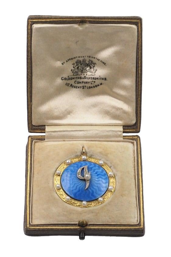 Antique-Jewellery-Berlin-Verlobungsringe-Eheringe-Antikschmuck-Fachgeschäft-in-Berlin-Mitte-Photo-©-2019-Antique-Jewellery-Berlin-Antike-Verlobungsringe-2233