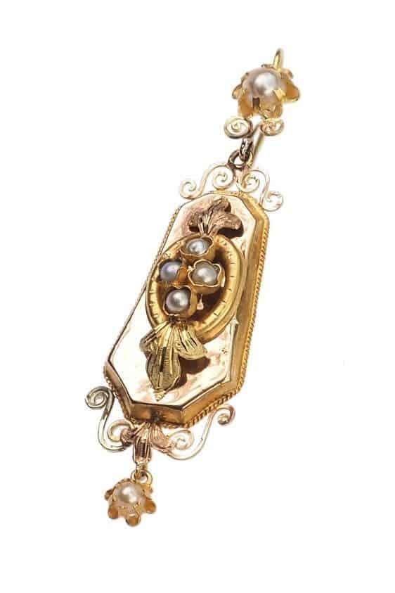 Antique-Jewellery-Berlin-Verlobungsringe-Eheringe-Antikschmuck-Fachgeschäft-in-Berlin-Mitte-Photo-©-2019-Antique-Jewellery-Berlin-Antike-Verlobungsringe-26b