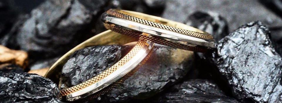 Stilvolle Eheringe aus Gold und Silber