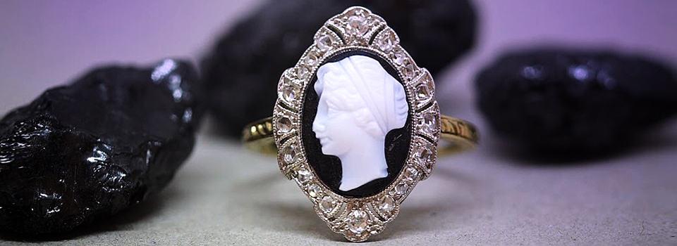 Antiker Ring mit Kamee-Portrait