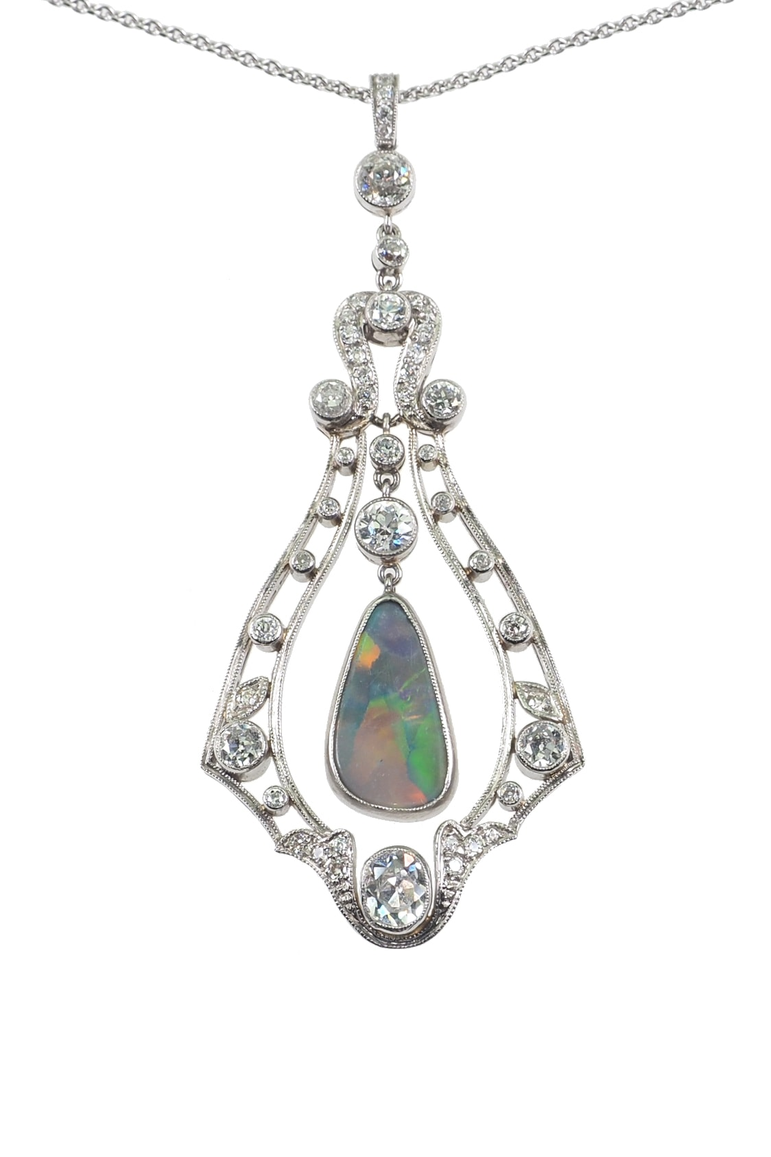 luxurious-antique-jewellery-2827a